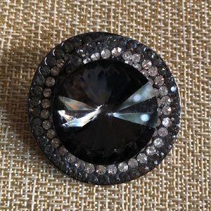 Jewelry - Stunning Rhinestone & Faux Quartz Brooch